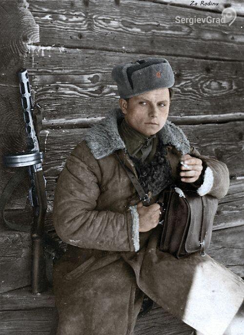 солдат с ППШ