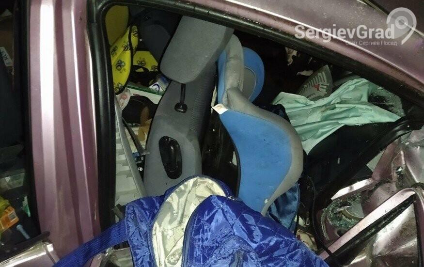 В автокатастрофе погибли двое людей: 58-летняя женщина и 3-летний ребёнок