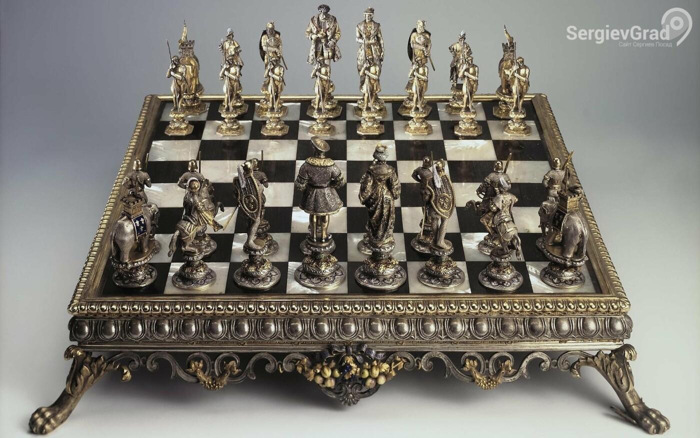 Шахматы, 1850 г., произведены в Германии, Фирма «Висхаупт К.М. и Сыновья», хранятся в Эрмитаже