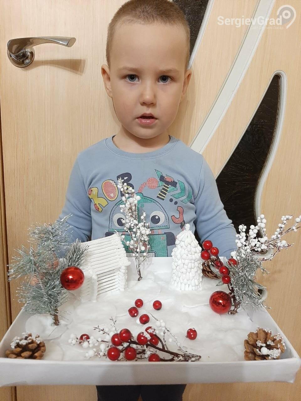 Участник конкурса «Моя новогодняя поделка» – Бархатов Фёдор, 4 года