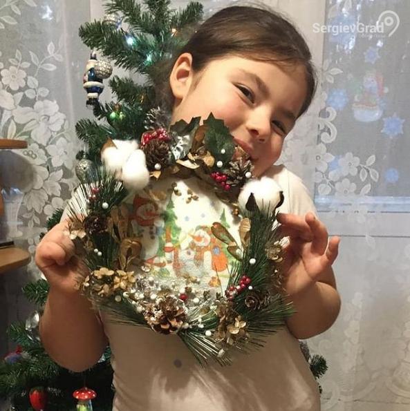Участник конкурса «Моя новогодняя поделка» – Симонова Юлия, 8 лет, МБУДО ДШИ «Гармония»