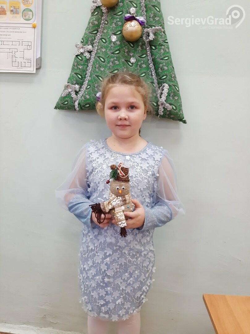 Участник конкурса «Моя новогодняя поделка» – Ванеева Ксения, МБОУ СОШ №19