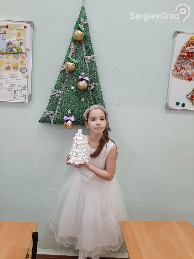 Участница конкурса «Моя новогодняя поделка» – Матросова Екатерина, МБОУ СОШ №19