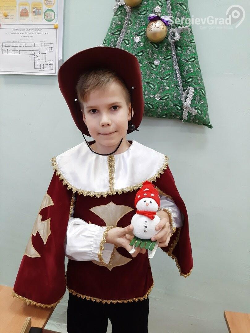 Участник конкурса «Моя новогодняя поделка» – Рунов Дмитрий, МБОУ СОШ №19