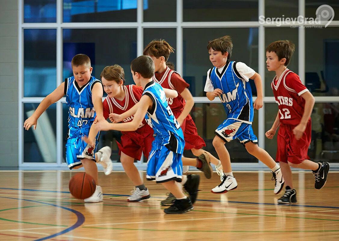 Спортсмены из Сергиева Посада одержали победу по баскетболу в первенстве среди юношей