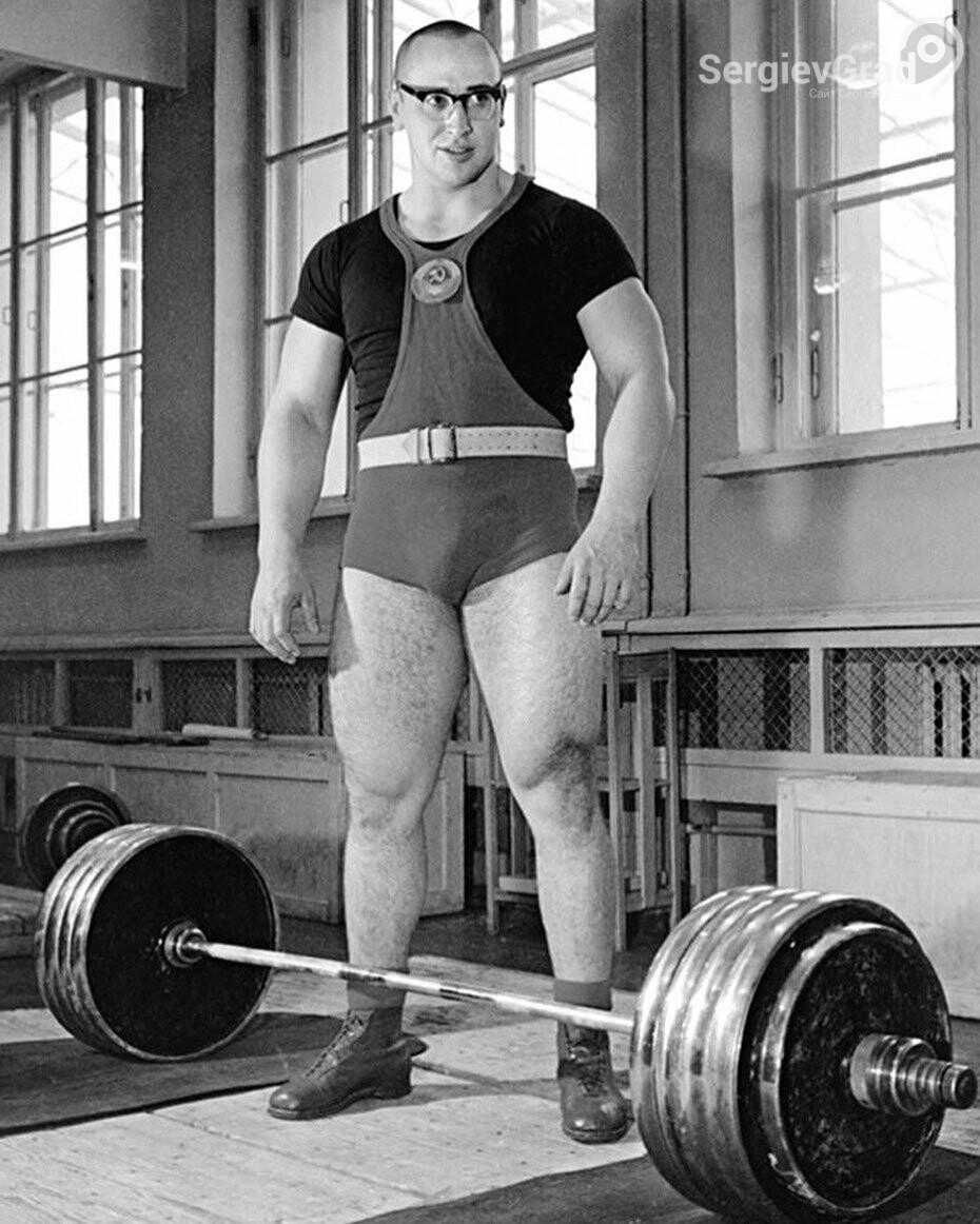 Скончался легендарный советский тяжелоатлет Юрий Власов