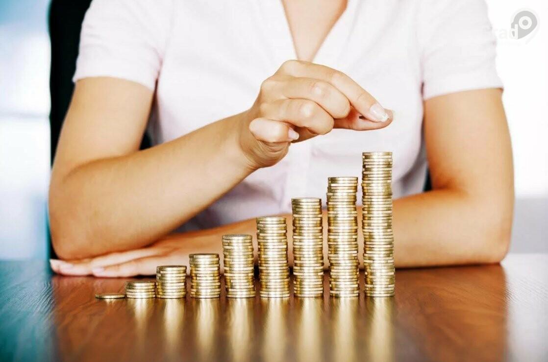 Михаил Мишустин поручил разработать план повышения зарплат до 20 апреля